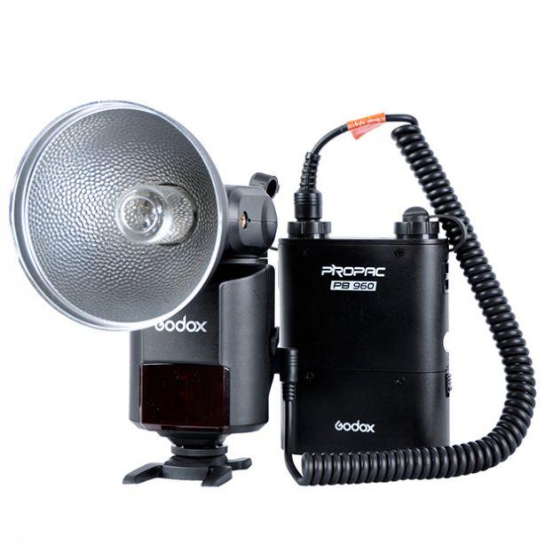 Kit: Godox Witstro AD360 kit  Settet består av en Witstro AD360 blits og tilhørende batteripakke, Probac PB 960.    Propac PB960 Dual-Output power source for flash. Apply to camera flashes like Canon 580EXII, Nikon SB900 and…
