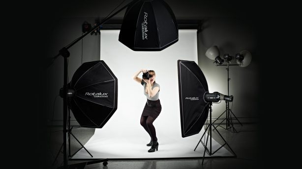 The Elinchrom Rotalux softboxes are easy to set up, lightweight and unlike many other softboxes, fold down just like an umbrella and can be easily stored in the carrying bag.…